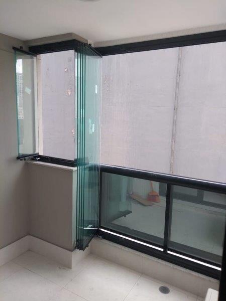 Sacada de vidro para apartamento