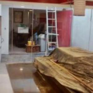 Obra Concluída - Duas sacadas de residência de embutir o trilho no chão.